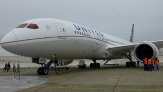 United Airlines Boeing 787 Dreamliner Tour