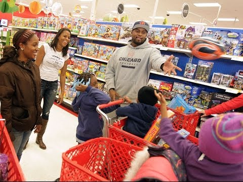 D.J. Williams takes family Christmas shopping
