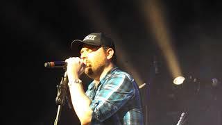 Chris Young - Sober Saturday Night (Live)