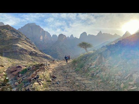 🇸🇦YANBU RC TO TALAT NAZZA WATER SPRING🏞   WINTER HIKE 🚶🏻♂️🚶🏻♀️  جبل رضوى   ⛰ ارتفاع الشتاء 🌿🥾