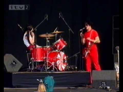 The White Stripes - I Think I Smell A Rat. Reading Festival 2002. 2/9