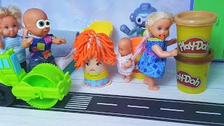 ОТДАЙ! ЭТО МОЙ PLAY DOH! КАТЯ И МАКС мальчики против девочек. Веселая семейка мультики КУКЛЫ Барби