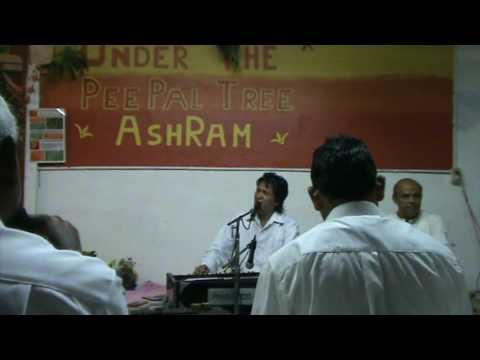 Sri Ajnish Rai sings Prem Se Gaao Mangal Naam