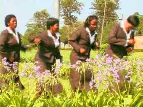 Shongwe and Khuphuka Saved Group - Lena Yinkinga