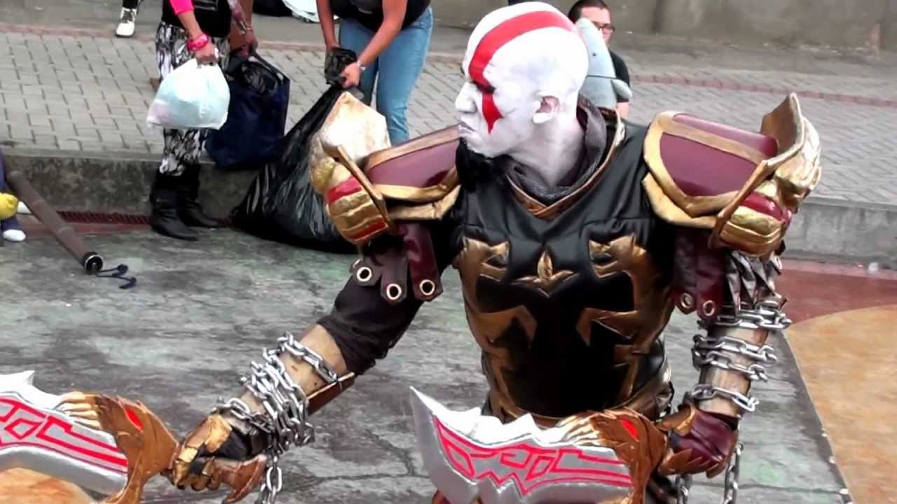 Kratos God Of War Costume [Cosparty 2012]...