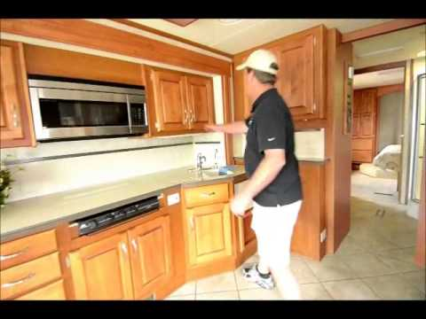 The RV Corral 2006 Holiday Rambler Endeavor 40PDQ - 41'