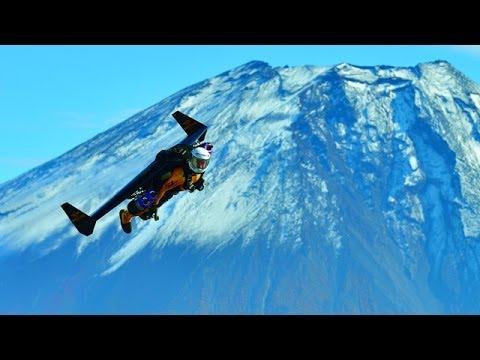 Jetman flies over Japan's Mount Fuji