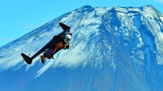 Jetman flies over Japan