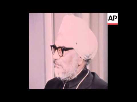 SYND 11-12-71 INTERVIEW WITH INDIAN FOREIGN MINISTER SWARAN SINGH IN LONDON
