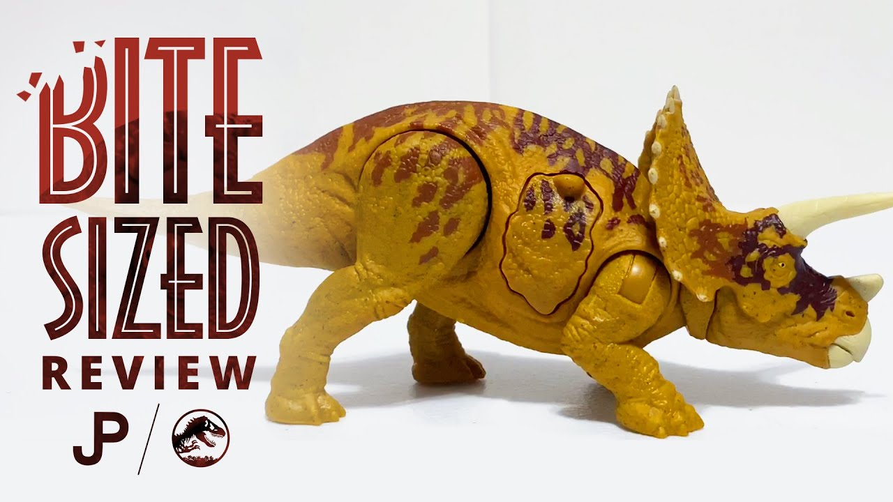 Mattel Battle Damage Triceratops - Jurassic World Toy Review / collectjurassic.com