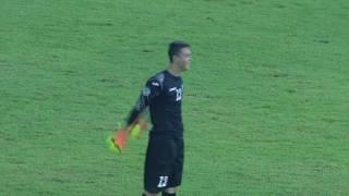 Najśmieszniejszy gol ostatnich miesięcy. 16-letni bramkarz zdobył go z własnego pola karnego