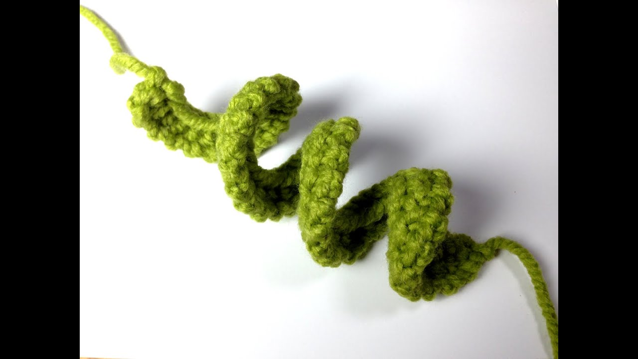 How to Loom Knit a Curly Q (DIY Tutorial) - YouTube