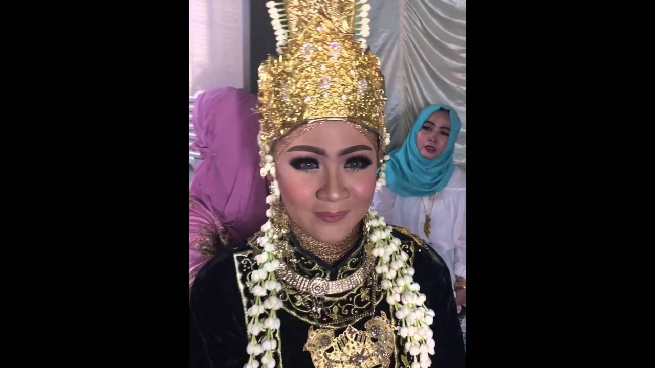 Pengantin adat Kutai Kartanegara 12/12/12 - YouTube