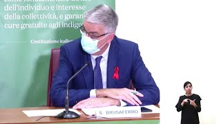 Covid, Brusaferro: ''Tempi brevi per vaccino, ma nessuna deroga a sicurezza''