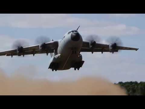El A400M preparado para operar sobre pistas de arena, grava o hierba