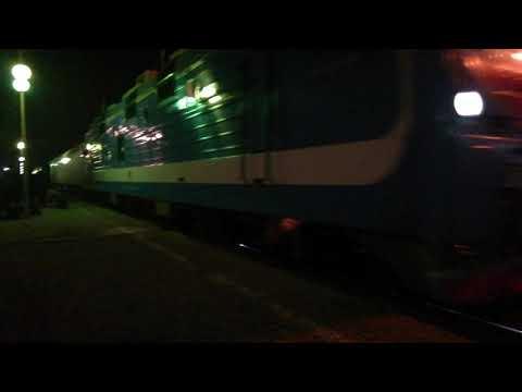 ЭП1П-032 с фирменным поездом №643 Кисловодск-Адлер прибывает на станцию Невинномысск