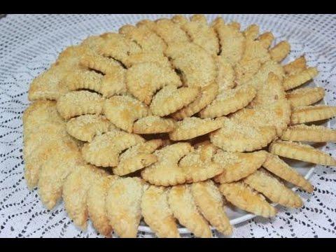 حلوة الهلال بالكاوكاو بمذاق لذيذ وبكمية كثيرة
