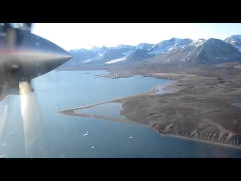 Landing Ny-Ålesund Airport, Hamnerabben (ENAS), Svalbard