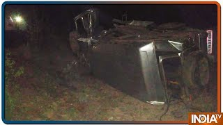 9 Injured As Naxalites Blew Up Private Vehicles In Bijapur