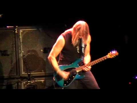 DEEP PURPLE - Steve Morse Guitar solo + Sometimes I Feel Like Screaming - LIVE MILANO 15/12/2009
