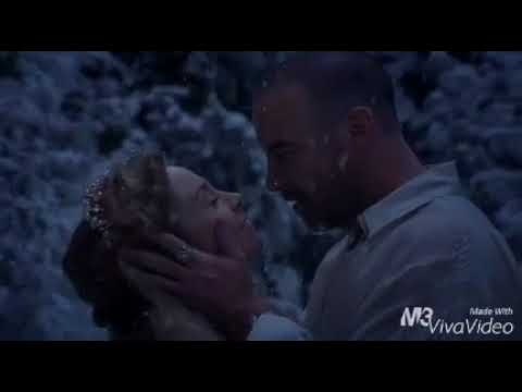 Reign 2x12  Queen Catherine and King Henry Megan Follows and Alan Van Sprang  Snow
