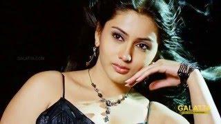 Namitha's new look in Pottu