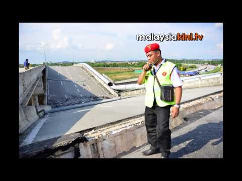 Overhead flyover near Cyberjaya collapses