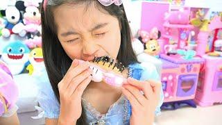 CHOCOLATE Vs BRINQUEDO DE MAQUIAGEM com Boram ♥ Stories for kids about sweets & candies