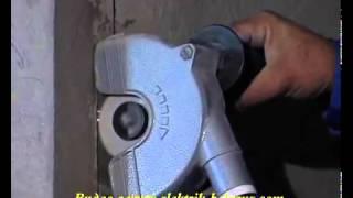 Видеоурок №1  Как сделать штробу под электропроводку и выбить коробки под розетки