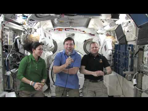 Shuttle Astronauts Chat with Broadcast Media
