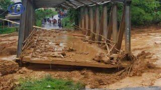 Warga Teriak Histeris! Lihat Detik² Jembatan Besar Hanyut Terbawa Banjir Bandang || Peristiwa² Alam