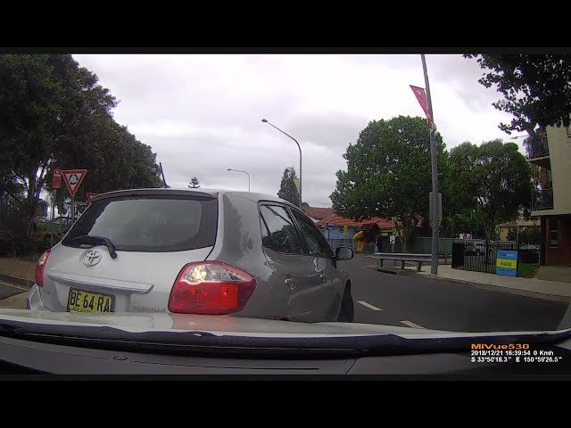 BAD DRIVING AUSTRALIA # 92 ROO, Crash, Gotcha ,  Submissions Galore