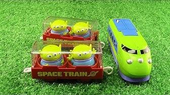 """Disney Pikku Vihreä """"Ulkomaalainen Avaruus Juna""""『Toy Story-leluelämää』Pixar Dream Railway 01770+fi"""
