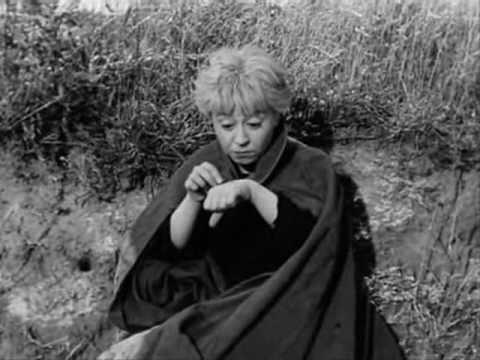 scene - The Road (La Strada) 1954