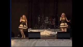 Сестры Толмачевы (Tolmachevy Sisters) Концерт в Железногорске. Июль,2012 г.