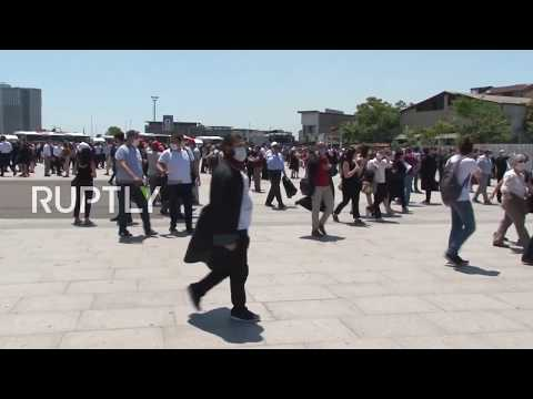 Turkey: Thousands of lawyers protest bar assocation draft bi