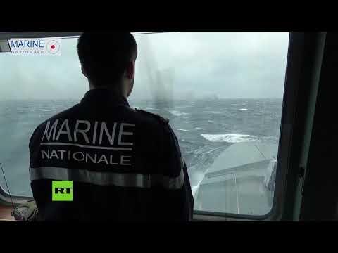 Francia Intenta Contener Un Derrame De Combustible En El Atlántico