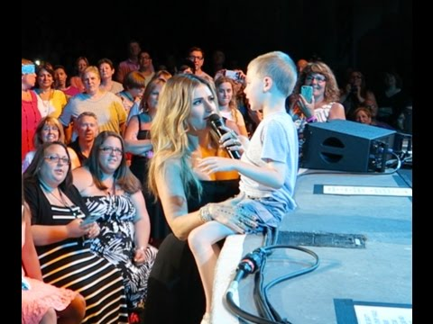 Idina Menzel Take Me or Leave Me, Hilarious random kid took over concert stage @ PNC, 2015
