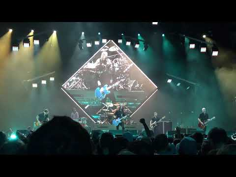 "Foo Fighters - ""Run"" - LIVE, Sioux Falls, SD 11/11/17"