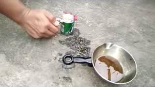 Kompor dari kaleng sampah dan minyak bekas