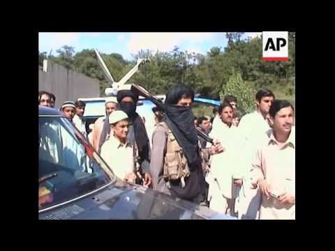 Purported Taliban appear to leave for Swat stronghold