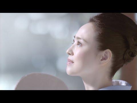 松田聖子&高畑充希、透き通るような美肌披露 『アスタリスト ホワイト』新CM「澄みきる美。輝く美。」篇