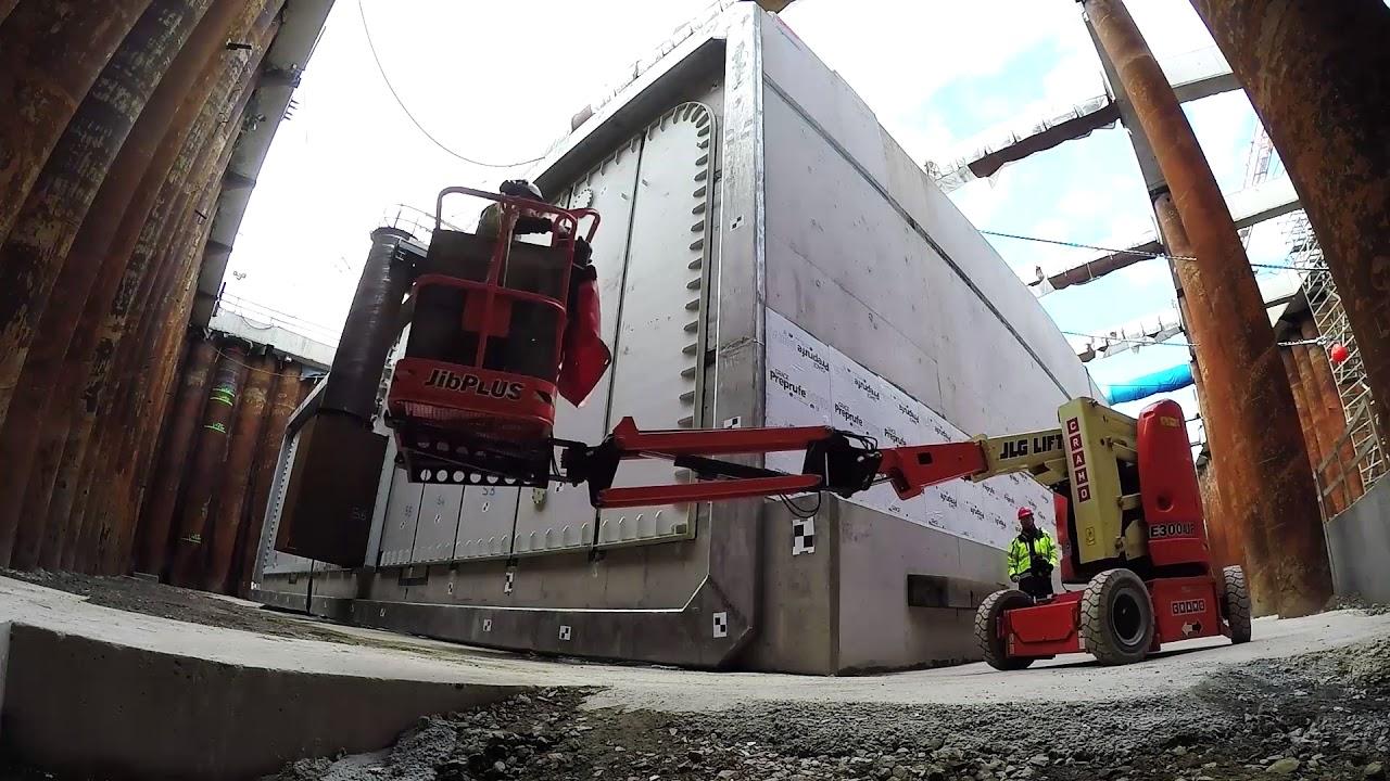 Marieholmsförbindelsen – se bygget av torrdocka och tunnelelement på två minuter | Trafikverket