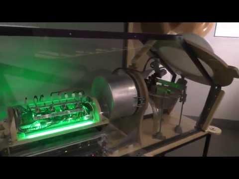 Музей восстания машин открылся в Москве: 50 тонн железа и трогательный Дарт Вейдер (ФАН-ТВ)