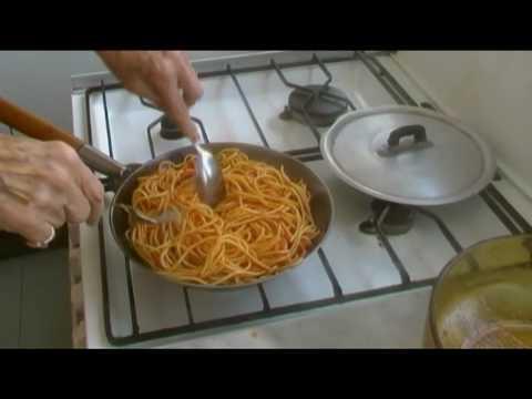 Lezione 34  Frittata di Maccheroni Cucina Napoletana di Tradizione Marinella Penta de Peppo