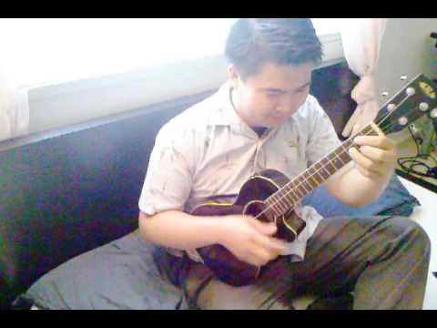 how to play sunday morning on ukulele