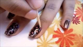 dots nail art.