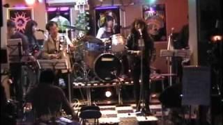 懐かしの洋楽ヒットポップスのコピーバンド、パレットです。 Three Degr...