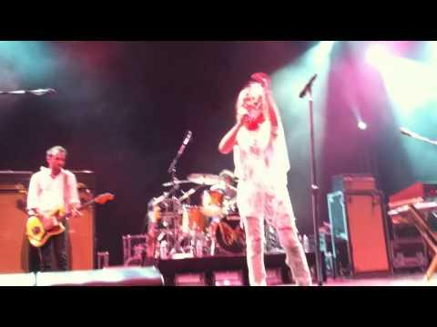 Metric - Help I'm Alive Live At Prospect Park Banshell 8/5/2010