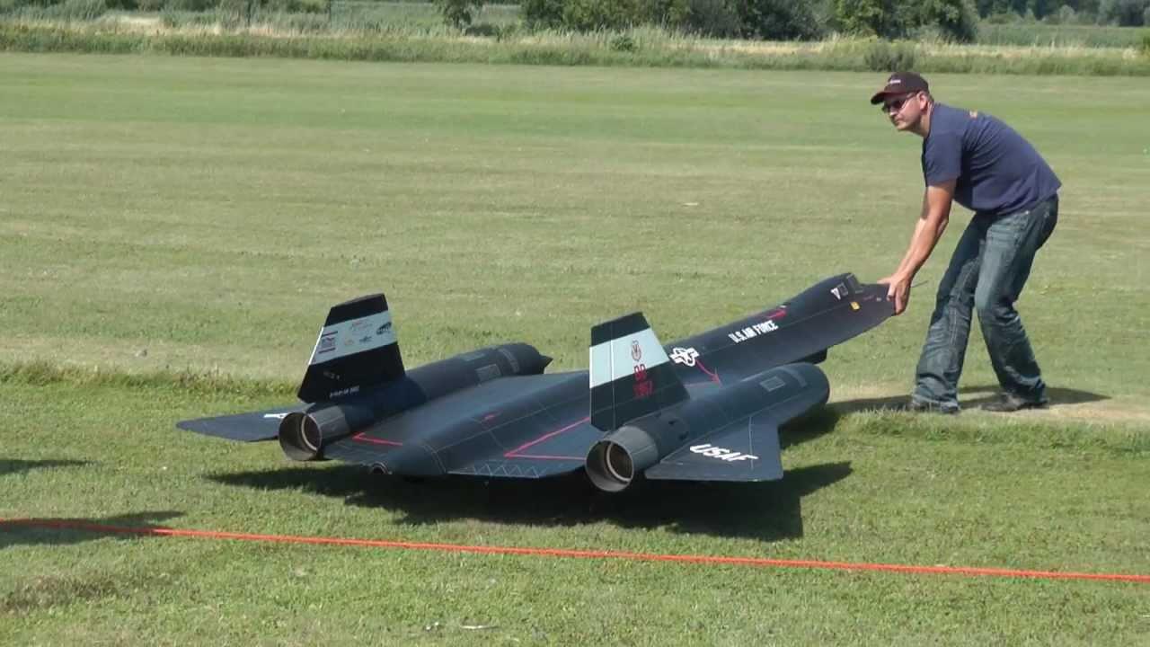 Jet-Meeting MSV Oberhausen 2011 - SR-71 in Action - YouTube